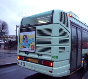 Happy Soldes Campagne affichage bus